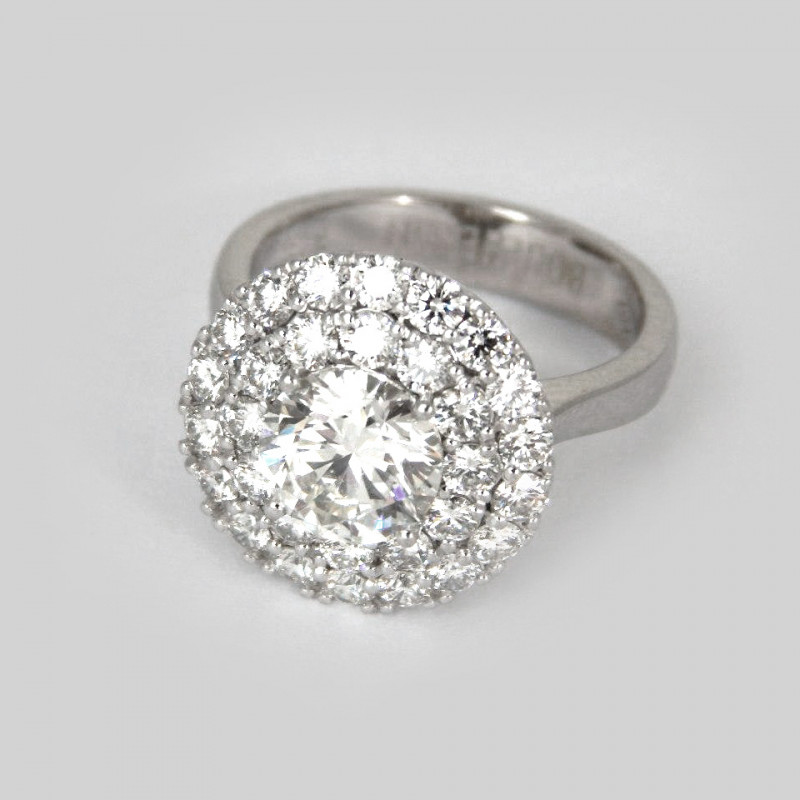 Кольцо Bucheron, белое золото, бриллианты
